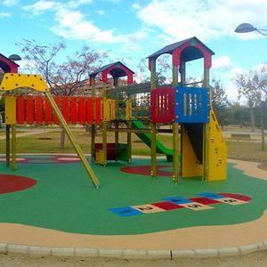Parques infantiles diseñados para fomentar el aprendizaje a través del juego